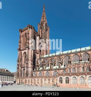 Place de la Cathedrale und Klosterkirche Notre Dame, UNESCO-Weltkulturerbe, Straßburg, Elsass, Frankreich - Stockfoto