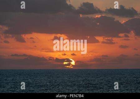 Sonnenuntergang über dem Atlantik, Lanzarote - Stockfoto