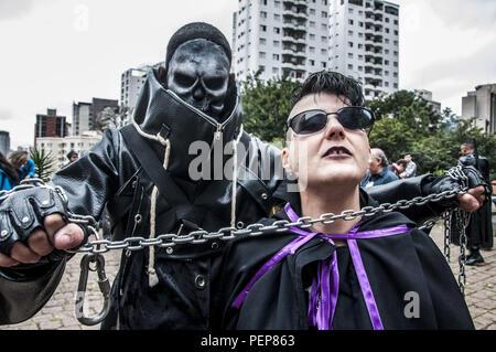 Sao Paulo, Brasilien. 16. Aug 2018. SAO PAULO SP, SP 16/08/2018 DAYLIFE SP: Horror Filmemacher in Sao Paulo am Donnerstag. Credit: Cris Fafa/ZUMA Draht/Alamy leben Nachrichten - Stockfoto