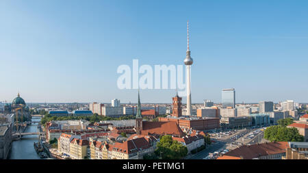 Berliner Skyline Panorama - Luftbild über Berlin City Center - Stockfoto