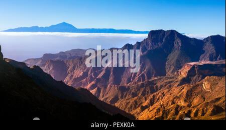 Erstaunlich vulkanischer Natur der Insel Gran Canaria, das Foto wurde mehr als 2000 m hoch - Stockfoto