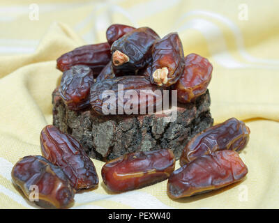 Palm Obst durch Muslime im Ramadan verbraucht - Stockfoto