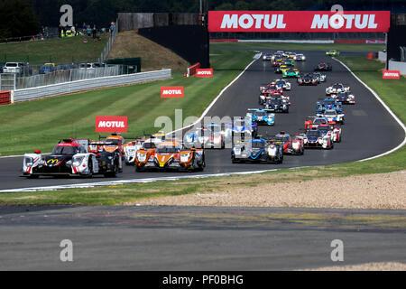 Autos Formiat für den Start der europäischen Le Mans Series 4 Stunden Silverstone - Stockfoto