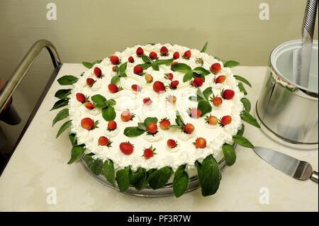Kuchen, Torten, zeremonielle, Zeremonien, Zeremonie, Küche, Küchen, kulinarisch, Dessert, Dessert Topping, Dessert Saucen, Desserts, natürlichen, Früchte, - Stockfoto
