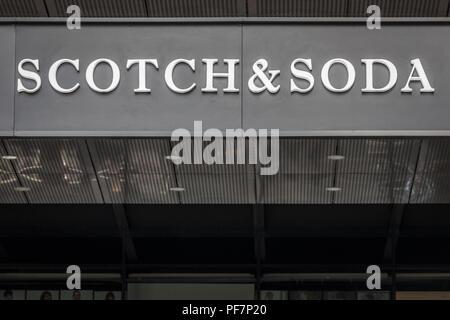Belgrad, SERBIEN - 19. AUGUST 2018: Scotch und Soda Logo auf ihren wichtigsten Store in Belgrad, Serbien. Scotch & Soda ist eine niederländische Fashion Retail unternehmen Pict - Stockfoto