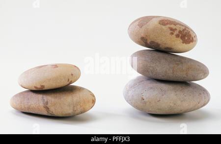 Drei Steine übereinander. - Stockfoto