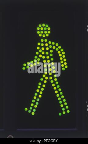 Fußgängerüberweg grünes Licht - Stockfoto