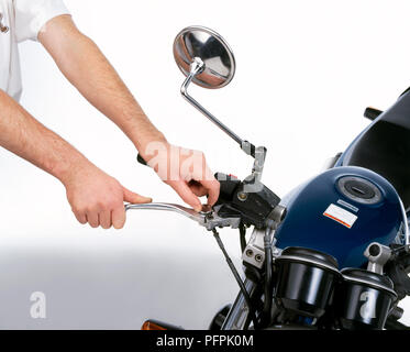 Viele moderne Fahrräder sind einstellbar - Span Hebel für die vordere Bremse und Kupplung. Eine nummerierte Wählen auf dem Hebel bietet vier verschiedene Einstellungen. - Stockfoto