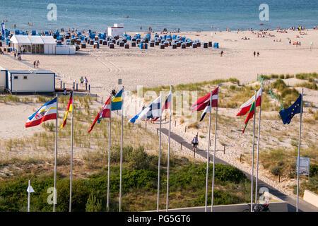 Tourismus badende am strand von rostock warnemuende for Urlaub in warnemunde