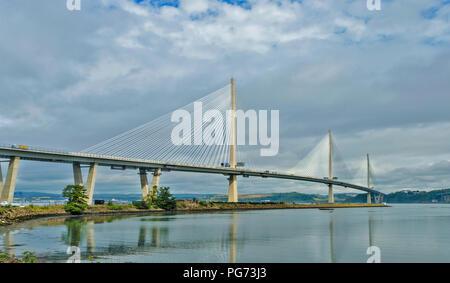 Neue Forth Road Bridge oder QUEENSFERRY Überqueren der Brücke in der frühen Morgensonne - Stockfoto