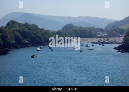 Watermouth Bay Harbour von Widmouth Kopf auf dem South West Coastal Path, Devon, England, UK. - Stockfoto