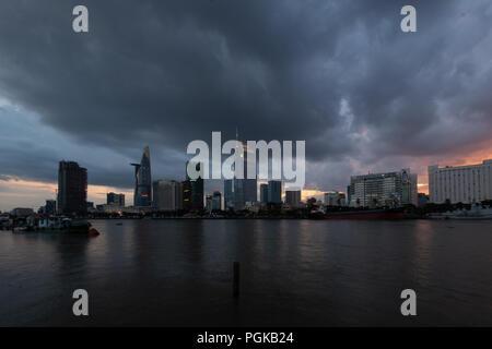 Regen über Ho Chi Minh Stadt Stockfoto Bild 151919436 Alamy
