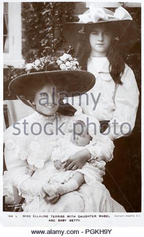 Maria Ellaline Terriss Portrait, Lady Hicks 1871 - 1971, bekannt als Ellaline Terriss professionell, war eine beliebte englische Schauspielerin und Sängerin am besten für ihre Auftritte im Edwardianischen musikalischen Komödien bekannt. Sie traf und heiratete die Schauspielerin - Produzent Seymour Hicks im Jahre 1893, und die Beiden in vielen Projekten für die Bühne und Bildschirm zusammen. Vintage real Foto Postkarte von 1905 - Stockfoto