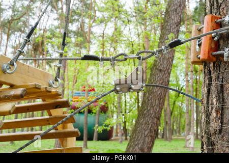 Klettergurt Seil Befestigen : Mann mit ausrüstung seil link stockfoto bild: 43717798 alamy