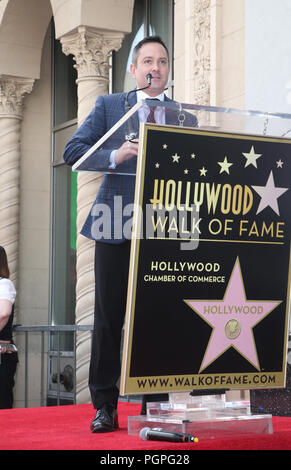 "Hollywood, USA. 27 Aug, 2018. Thomas Lennon, nimmt ""Weird Al"" Yankovic mit Stern auf dem Hollywood Walk of Fame geehrt bei Hollywood Hollywood Blvdin am 27. August 2018 in Los Angeles, Kalifornien Quelle: Faye Sadou/Medien Punch/Alamy leben Nachrichten - Stockfoto"