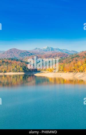 Gorski kotar, Berg Risnjak und Lokvarsko See, Kroatien, schönen Herbst Landschaft, warme Farben - Stockfoto