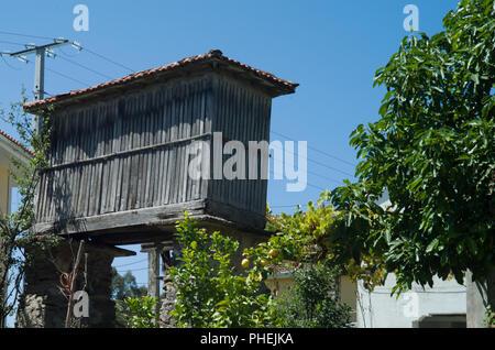 Getreidespeicher in Galicien - Stockfoto