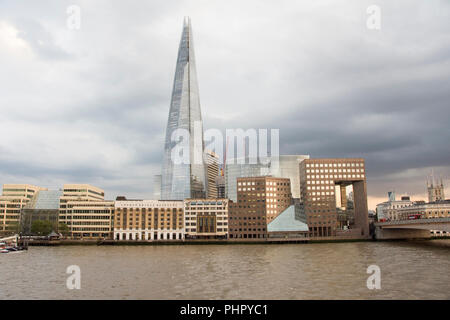Der Shard einen 95-stöckigen Wolkenkratzer vom italienischen Architekten Renzo Piano entworfen, in Southwark, London, UK - Stockfoto