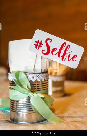 Retro Party Set selfie Sign Design Photo Booth party Hochzeit lustige Bilder. - Stockfoto