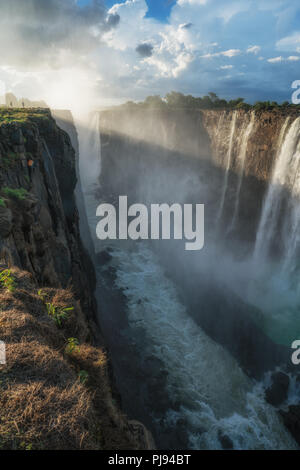 Die Leistungsstarke fällt, Victoria Falls, Simbabwe - Stockfoto
