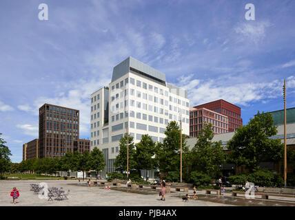 Die Außenfassade. Aga Khan Centre, London, Vereinigtes Königreich. Architekt: Maki und Associates, 2018. - Stockfoto
