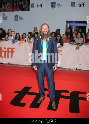 Toronto, Kanada. 6. Sep 2018. Regisseur David Mackenzie Posen für Fotos vor der Weltpremiere der Eröffnungsfilm Outlaw King' am Roy Thomson Hall während der 2018 Toronto International Film Festival (TIFF) in Toronto, Kanada, Sept. 6, 2018. Credit: Zou Zheng/Xinhua/Alamy leben Nachrichten - Stockfoto