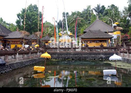 Tempel Tirtha Empul Tampaksiring, Ubud, Bali, Indonesien - Stockfoto