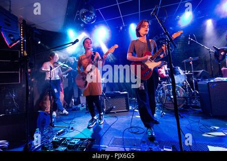 Leeds, Großbritannien. 8. September 2018. London - Indie Rock Band Ziege Mädchen im Konzert an der Brudenell Social Club, Leeds, West Yorkshire. Quelle: John Bentley/Alamy leben Nachrichten - Stockfoto