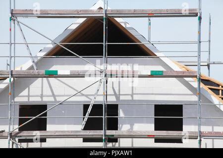 Freistehendes Haus, Bau, Rohbau, Dach Giebel, Lilienthal, Niedersachsen, Deutschland - Stockfoto
