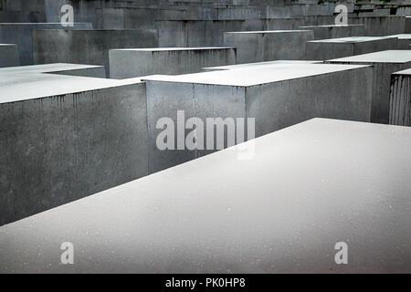 Denkmal für die ermordeten Juden Europas auf Cora-Berlinerstrasse in Berlin, Deutschland - Stockfoto