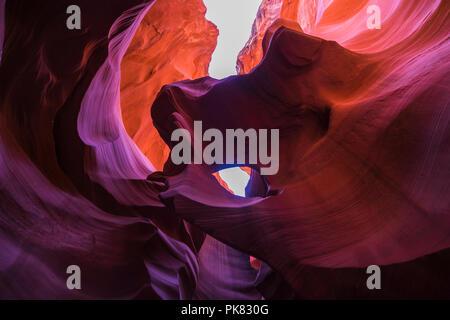 Schönen von Sandstein Felsformationen in Lower Antelope Canyon, Page, Arizona, USA - Stockfoto