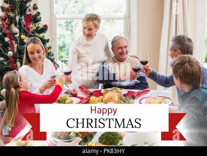 Frohe Weihnachten Text mit Abendessen mit der Familie - Stockfoto