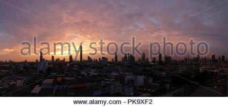Bangkok City Panorama bei Sonnenuntergang - Stockfoto