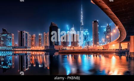 Dubai-Stadt bei Nacht - Stockfoto