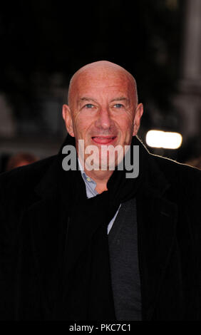 London, Großbritannien. 12. Sep 2018. Simon Tag Teilnahme an der Weltpremiere des KÖNIG DER DIEBE Am Vue West End, den Leicester Square London 12 September 2018 Quelle: Peter Phillips/Alamy leben Nachrichten - Stockfoto