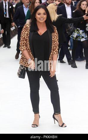 London, UK, 12. Sep 2018. Scarlett Moffatt nimmt an den König der Diebe Filmpremiere in London - Stockfoto