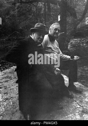 Roosevelt und Winston Churchill an der Präsidentenrückzug Shangri La, 14. Mai 1943. Datei Referenz Nr. 1003_043 THA - Stockfoto