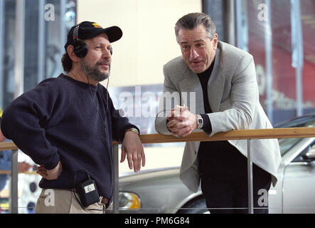 Film Still / Werbung noch von 'Analysieren' Billy Crystal, Robert De Niro © 2002 Warner Brothers Foto: Tom Concordia - Stockfoto