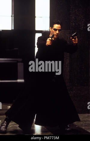 "Film Still / Werbung immer noch von der ""Matrix"" Keanu Reeves © 1999 Warner Brothers Photo Credit: jasin Boland Datei Referenz # 30973723 THA nur für redaktionelle Verwendung - Alle Rechte vorbehalten - Stockfoto"