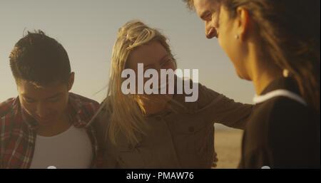 Freunde lachen und Spaß am Strand - Stockfoto