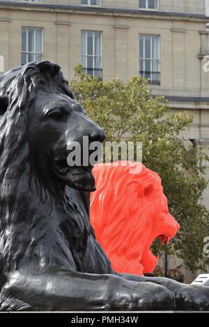 Trafalgar Square, London, UK. 18 Sep, 2018. London Design Festival, interaktive Installation Es Devlin: Füttern Sie bitte die Löwen, in Trafalgar Square Credit: Matthew Chattle/Alamy leben Nachrichten - Stockfoto
