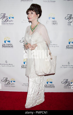 Pilar PALLETE Wayne am Vermächtnis der Los Angeles Mission Vision Gala im Four Seasons Hotel am 12. September 2012 in Beverly Hills, CA. - Stockfoto