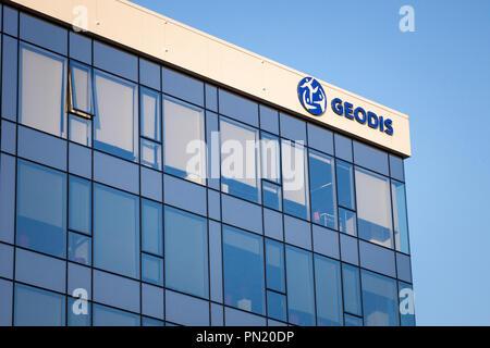 Belgrad, SERBIEN - September 19, 2018: geodis Logo auf Ihrer Hauptniederlassung für Serbien. Teil der SNCF-Gruppe, Geodis ist verantwortlich für die Fracht transportat - Stockfoto