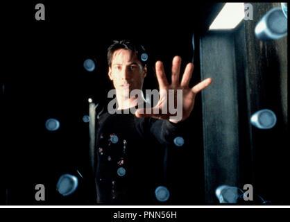 Prod DB © Silber Bilder/DR-MATRIX (die Matrix) de Andy und Larry Wachowski USA 1999 avec Keanu Reeves science-fiction, futuriste, pouvoirs, Balles, esquive - Stockfoto
