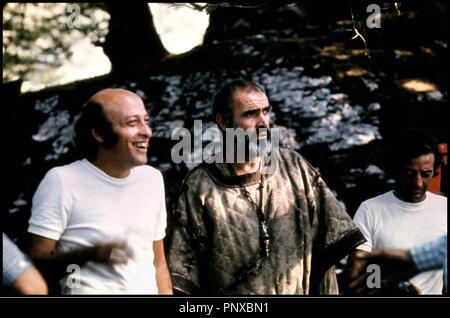 Prod DB © Columbia - Rastar/DR LA ROSE ET LA FLECHE (ROBIN UND MARIAN) de Richard Lester 1976 USA avec Richard Lester et Sean Connery sur le tournage - Stockfoto