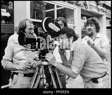 Prod DB © Universal Pictures/DR, de Milos Forman 1971 USA avec Milos Forman et Miroslav Ondricek (directeur Foto) sur le tournage - Stockfoto