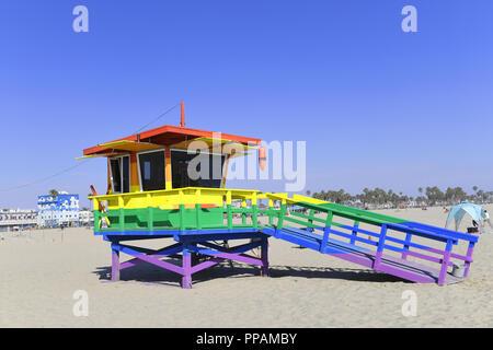 Beach Hut lackiert in Stolz Farben auf Venice Beach, Los Angeles, Kalifornien, USA - Stockfoto