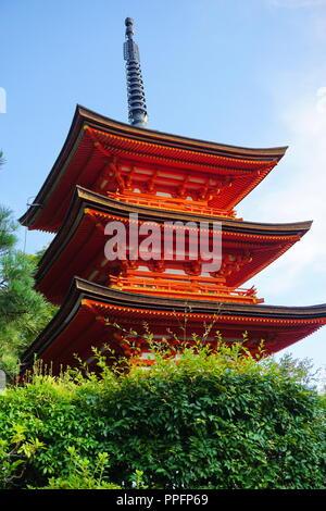 Kyoto, Japan - August 01, 2018: Die koyasu - nein - Pagode der Kiyomizu-dera Buddhistischen Tempel, ein UNESCO-Weltkulturerbe. Foto: George - Stockfoto