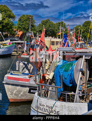 Fischmarkt in warnem nde ostsee rostock mecklenburg for Urlaub ostsee warnemunde