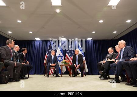 Us-Präsident Donald Trump während eines bilateralen Treffens mit dem israelischen Ministerpräsidenten Benjamin Netanjahu am Rande der Generalversammlung der Vereinten Nationen vom 26. September 2018 in New York, New York. - Stockfoto